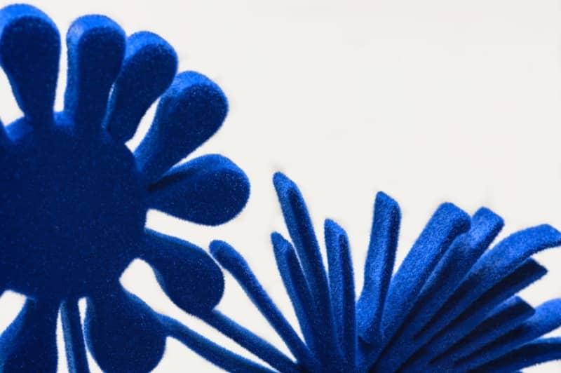 Kenny Scharf Flores Blue detail
